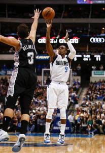 956Spurs Mavericks Basketball